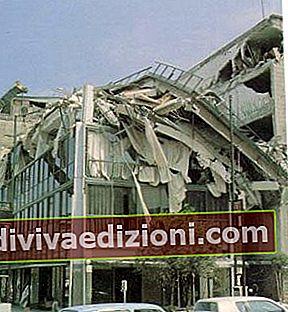 Definisi gempa bumi